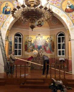 Установка иконостаса в православном храме